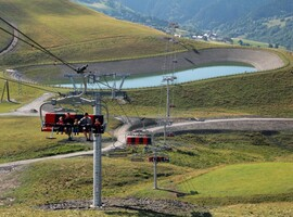 Pedestrian and mountain bike chairlift