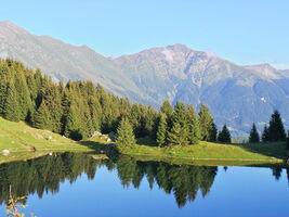 Ascent to the lake 'Grande Léchère'