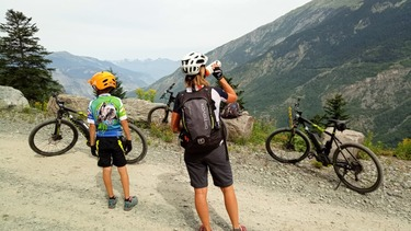 Mountain bike climb to the Prec : mountain collection step