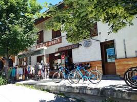 Go Sport Montagne / Everest Sport Village
