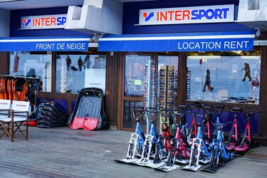 © Intersport - Center of the ski resort - <em>Corbier Tourisme</em>