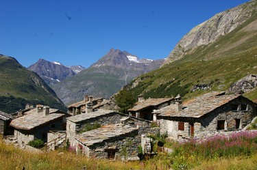 Visit of the village Ecot, a place to be discovered